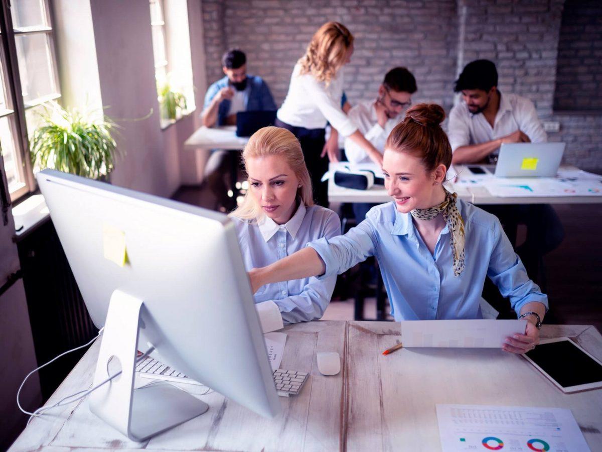 startup-business-team-on-meeting-in-modern-bright-JDGCN69-scaled.jpg